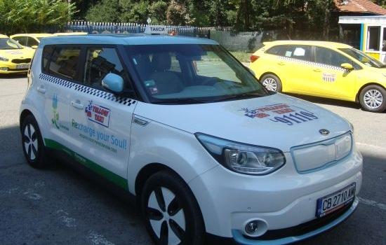В София вече се движи първото електрическо такси